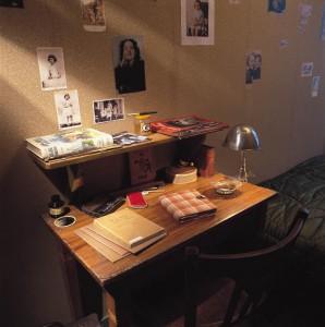 Anne-Franks-desk