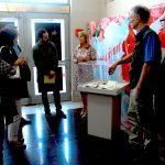 La visita a la Exposición El hacedor