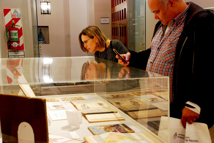 Exposición Cartografía de Malvinas en los textos escolares (1890-1940)