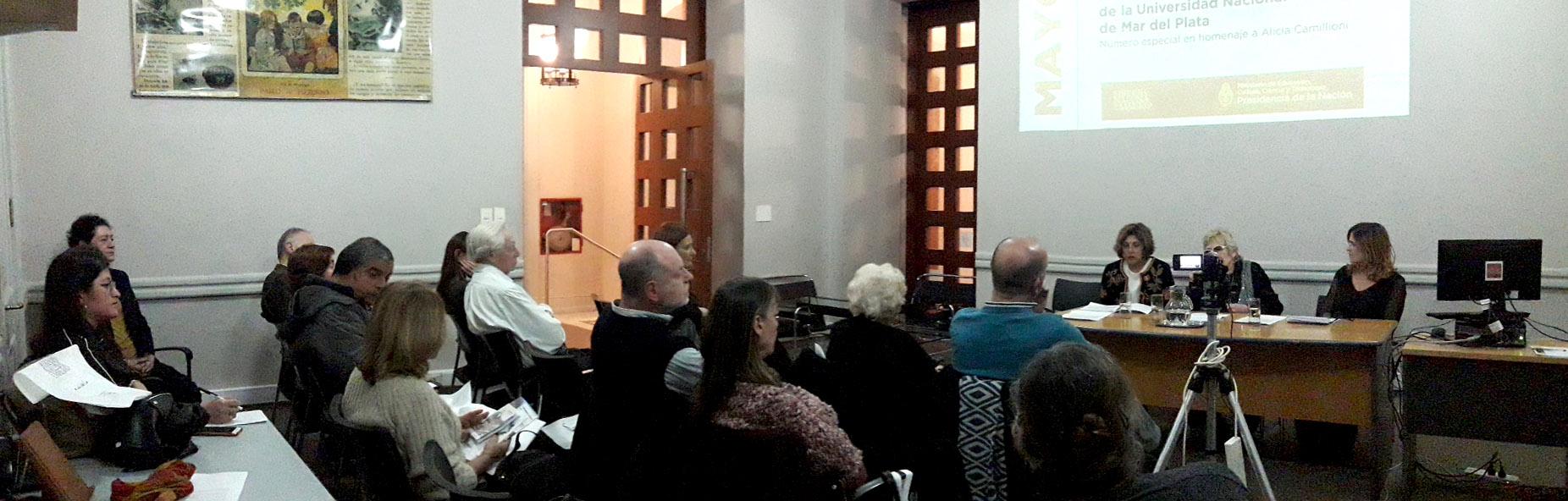 Presentación Revista de Educación de la Universidad Nacional de Mar del Plata que homenajea a Alicia Camilloni