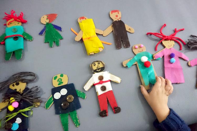 Muñecos que quitan las penas visitaron la BNM