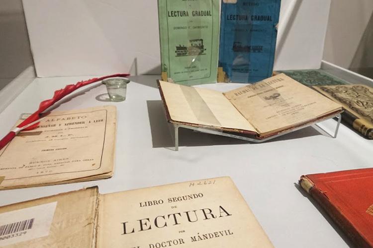 Exposición «Lecturas Escolares en la Escuela Argentina (1810-1955)»