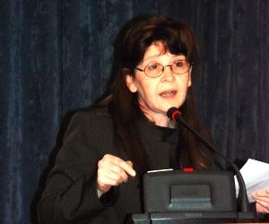 Dra. Claudia Shmidt